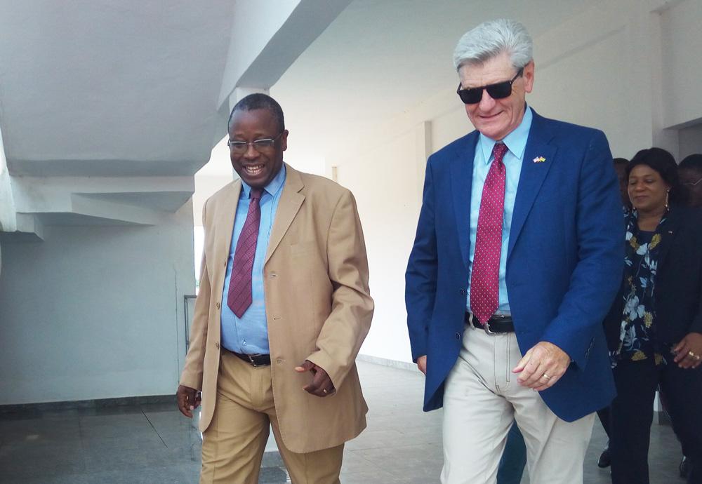Visite du Gouverneur Phillip BRYANT à l'IFAD Aquaculture d'Elavagnon